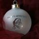 Kerstbal Frost gegraveerd met naam als kerstkado voor baby's eerste kerst
