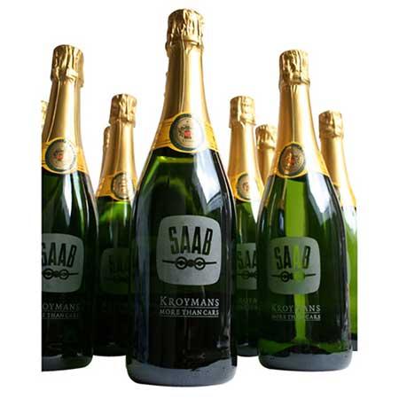 Champagne gegraveerd als relatiegeschenk voor de kerst