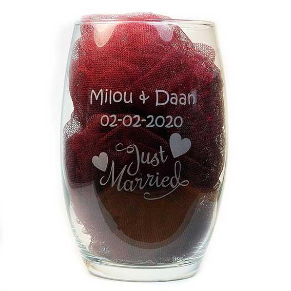 Laat een origineel huwelijkscadeau graveren